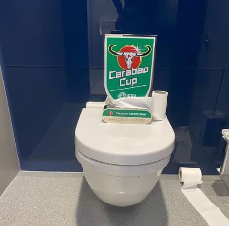 マン・オブ・ザ・マッチのトイレ